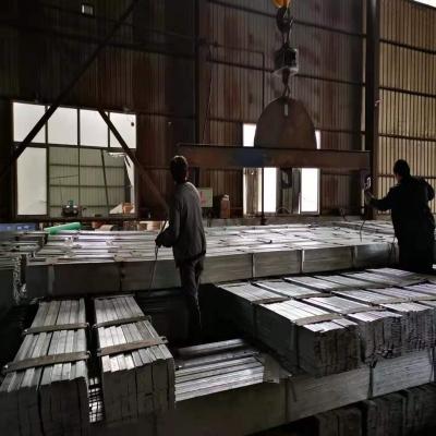 钢材期货上涨,热镀锌扁钢出货良好